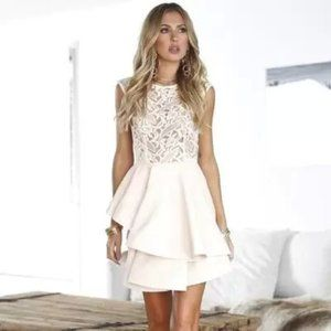 🆕 NWT! Xenia Wilde Willow Lace Dress Cream (6/M)